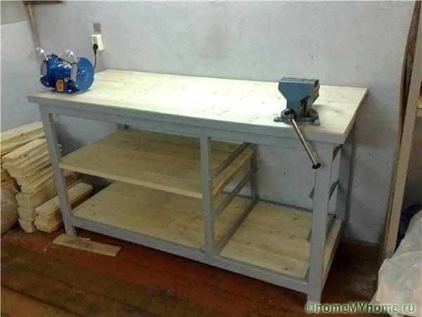 Домашна гаражна работна маса
