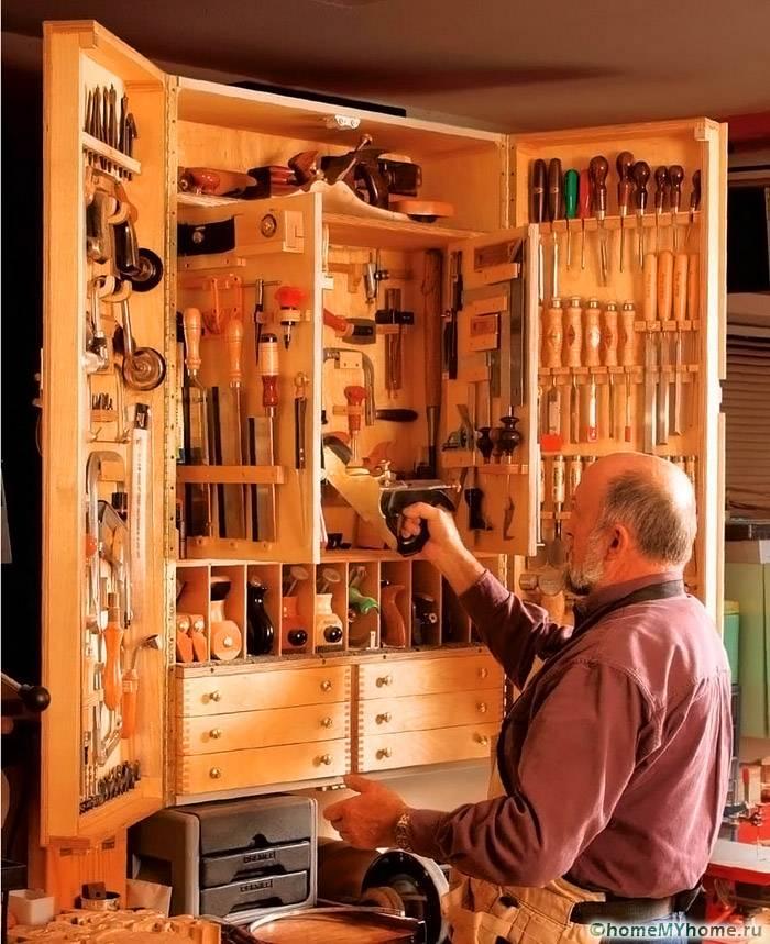 Вградените гардероби са много компактни