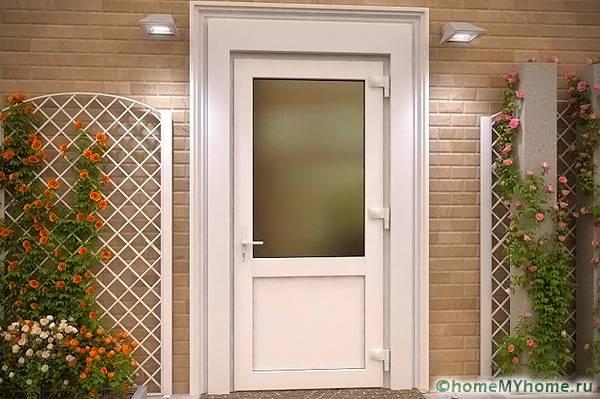 пластмасови входни врати за частна къща: снимка