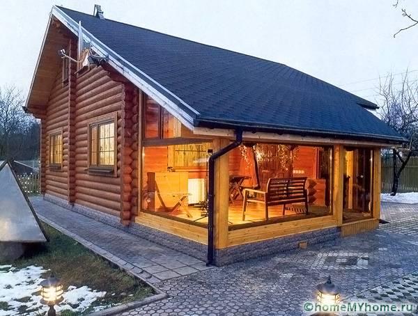 Модерна селска къща с прикачена веранда