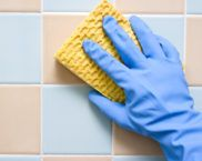Как да почистите шевовете между плочките за баня