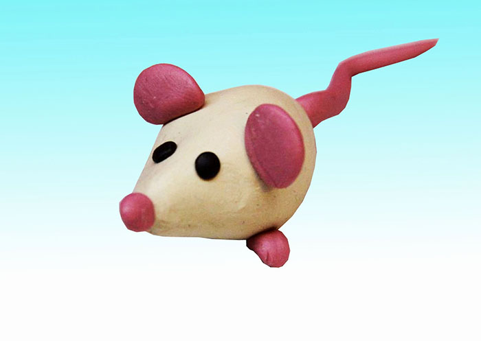 Можете да направите няколко такива мишки и да разредете състава със сирене от пластилин.